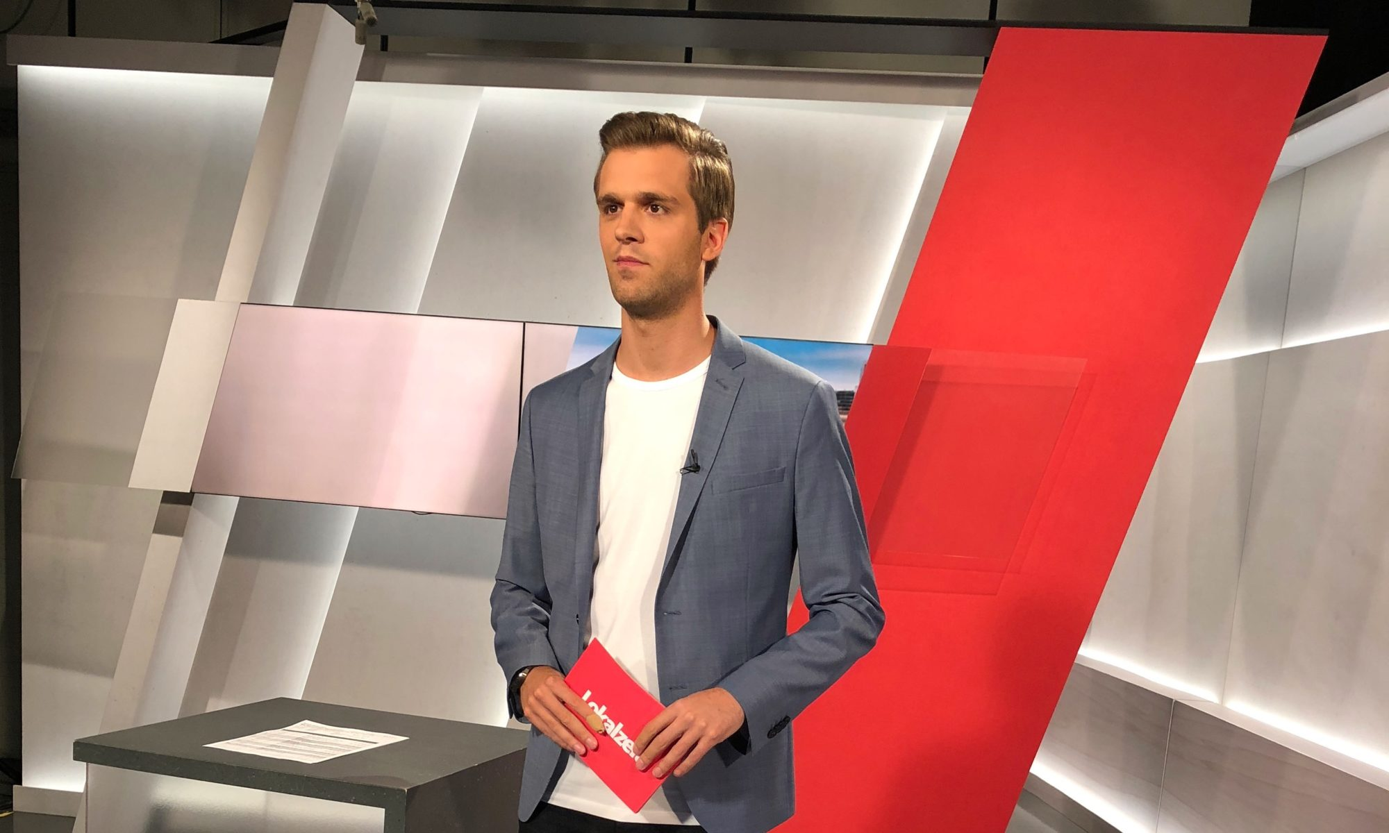 Marc Hartenstein TV Studio Lokalzeit Bonn